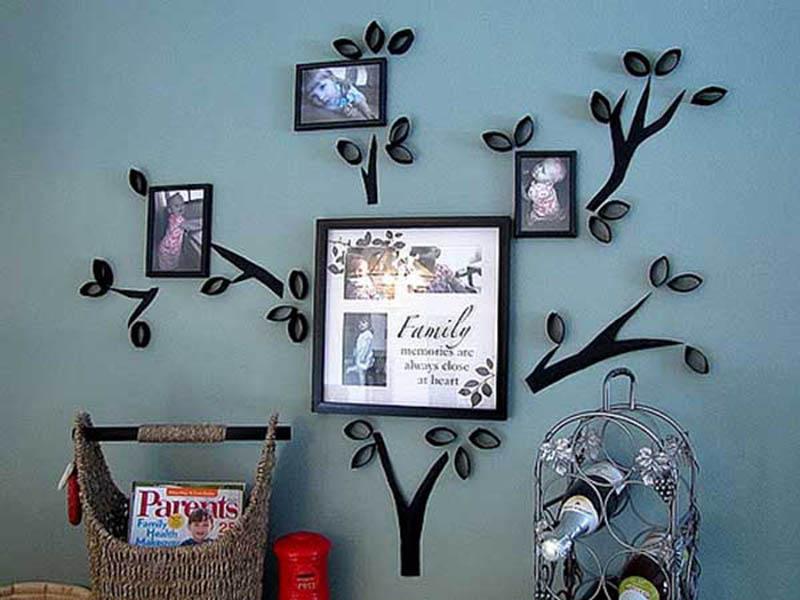Trang trí tường nhà đẹp bằng ảnh khung gỗ