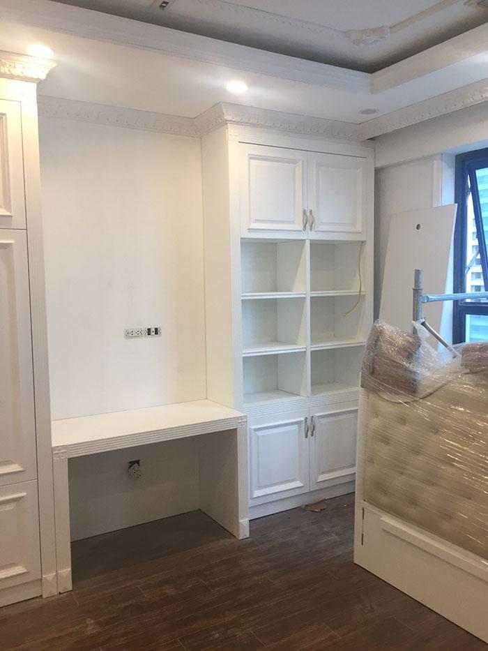 hình ảnh lắp đặt đồ đạc vào trong phòng ngủ chung cư