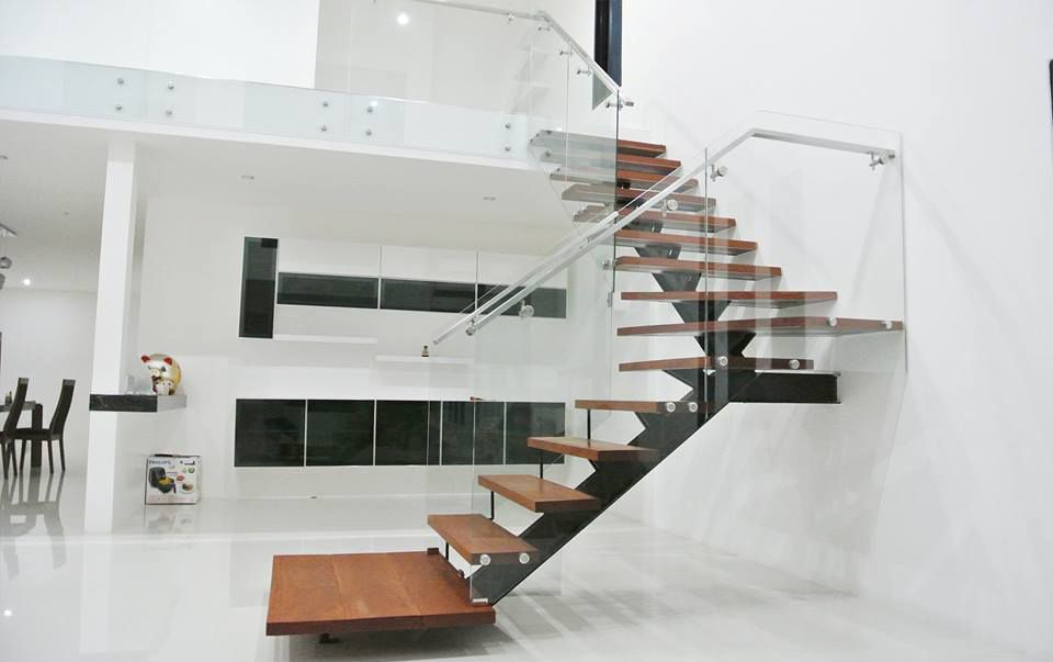 Khắc phục cầu thang giữa nhà