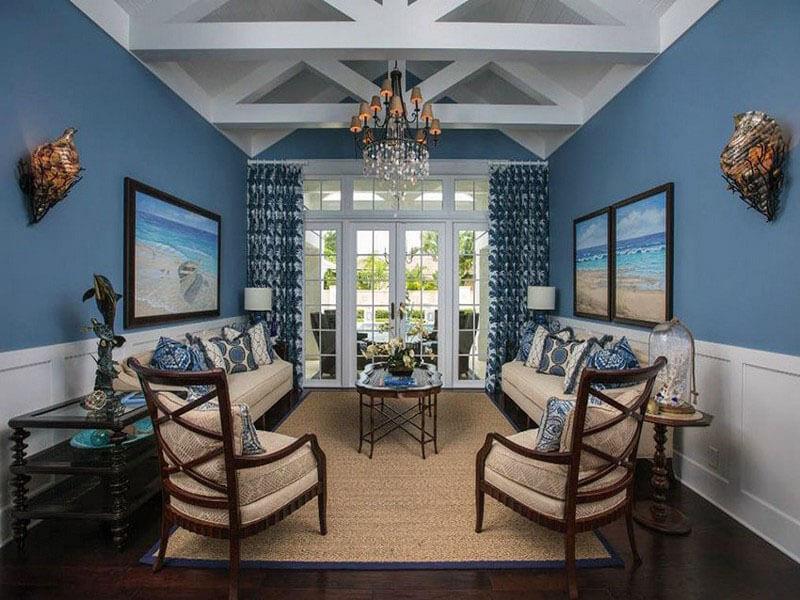 màu xanh coban giúp phòng khách trở nên hiện đại hơn.