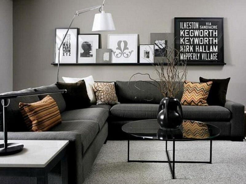 tham khảo ý kiến của mỗi người để lựa chọn màu sơn phòng khách phù hợp
