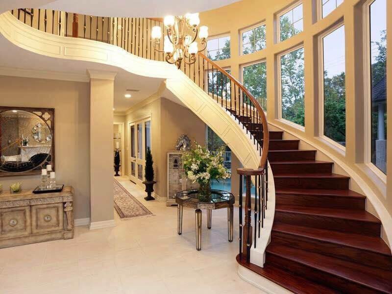 lưu ý về vị trí đặt cầu thang phù hợp với tổng thể ngôi nhà