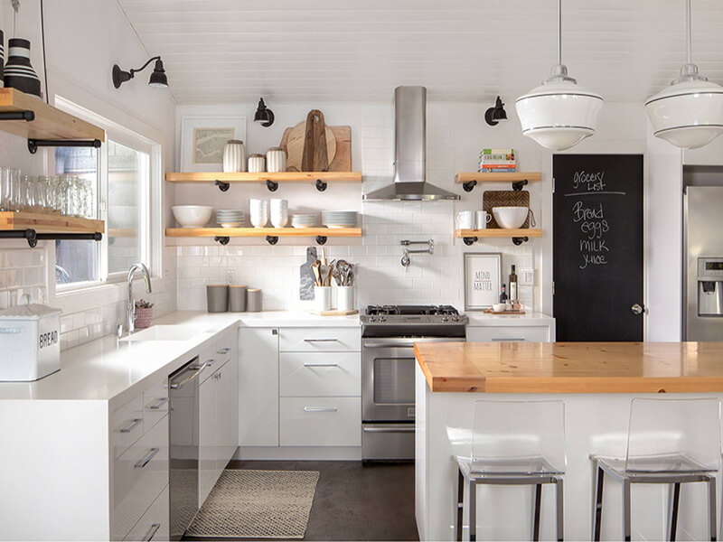 ánh sáng tự nhiên sẽ khiến không gian bếp được mở rộng hơn