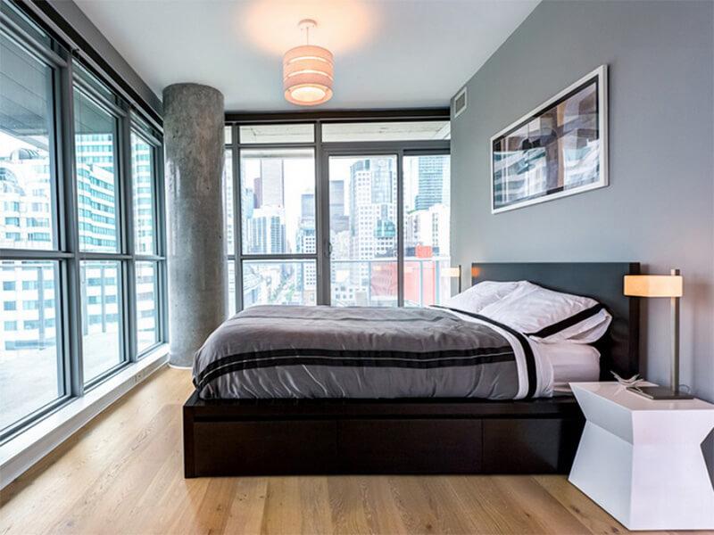 bố trí phòng ngủ gọn gàng, thuận tiện cho nam giới
