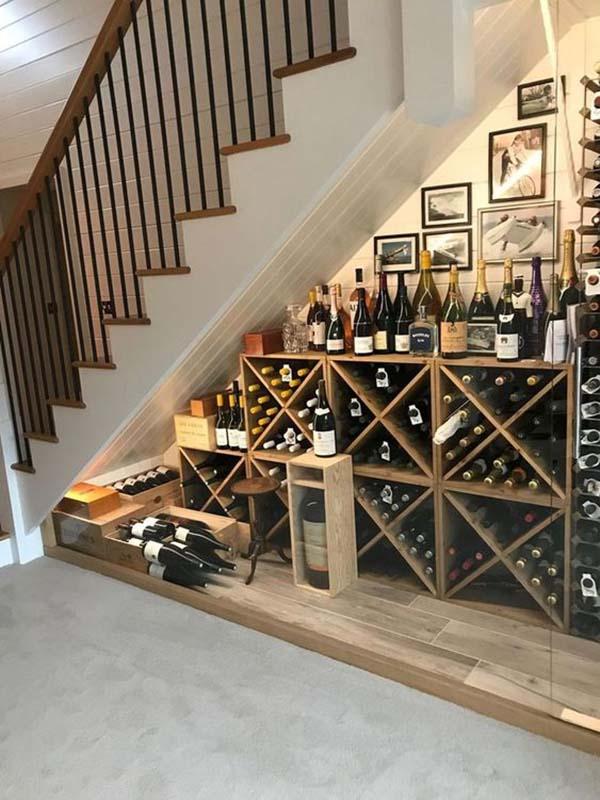 Tủ rượu đẹp dưới gầm cầu thang