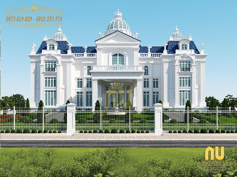Biệt thự nổi bật với gam màu trắng.