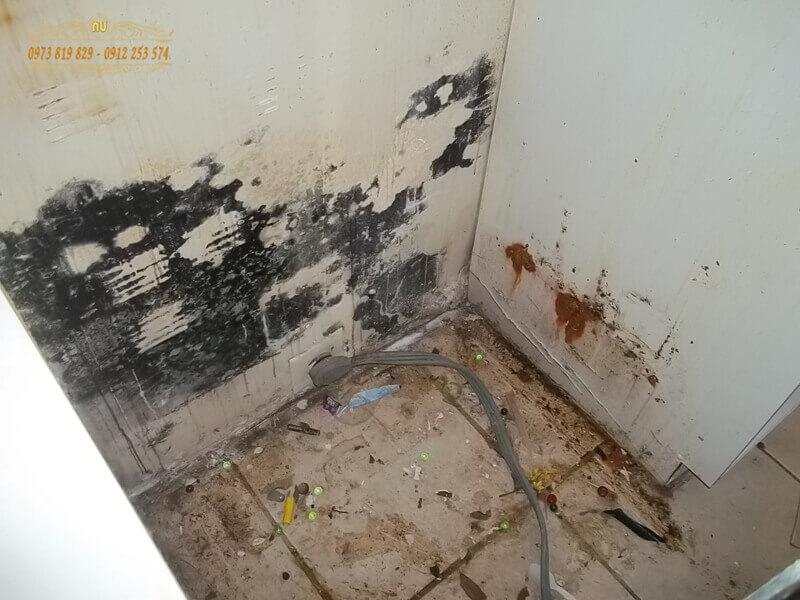 Mặt sàn tầng lầu thiếu lớp chống nước